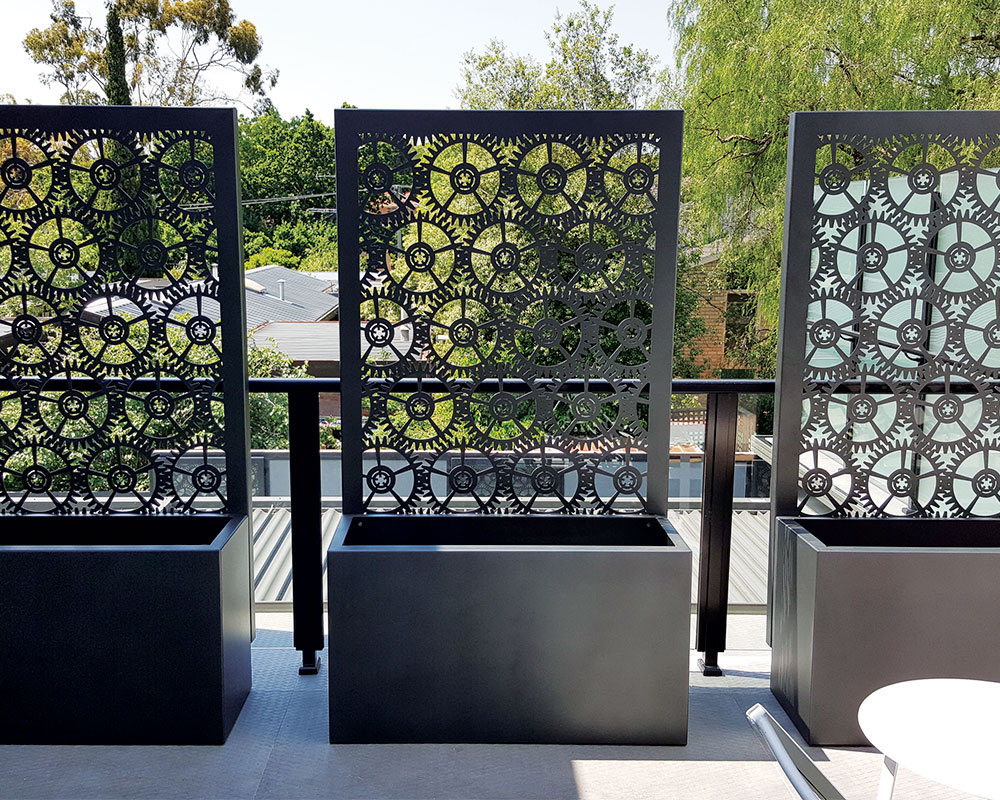 Balcony planters po box designs for Balcony planters