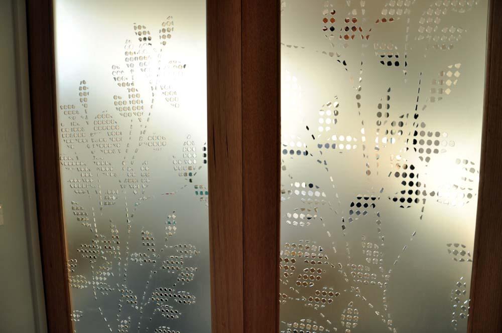 Privacy Doors Close_1